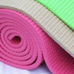 Thảm Yoga bằng chất liệu PVC